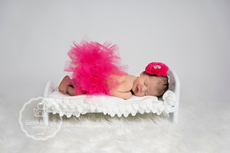 Fairies-and-Frogs-Newborn-Baby-photo-session