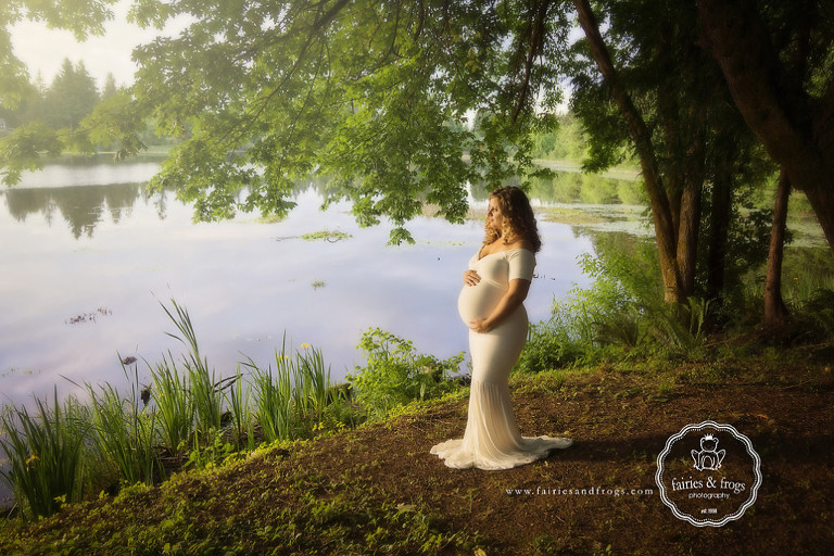 Maternity-Photography-outside-on-location-Olympia-WA