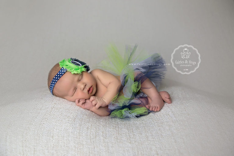 Olympia-Newborn-Photographer-Adorable-Newborn-Photography-Fairies-and-Frogs-Photography