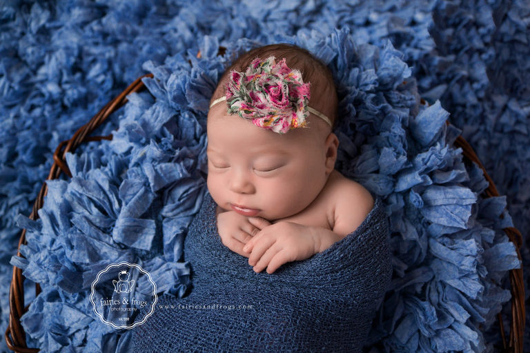 Lacey-Olympia-Newborn-Photographer-Newborn-Skin-Issues-Solutions-Fairies-and-Frogs-Photography