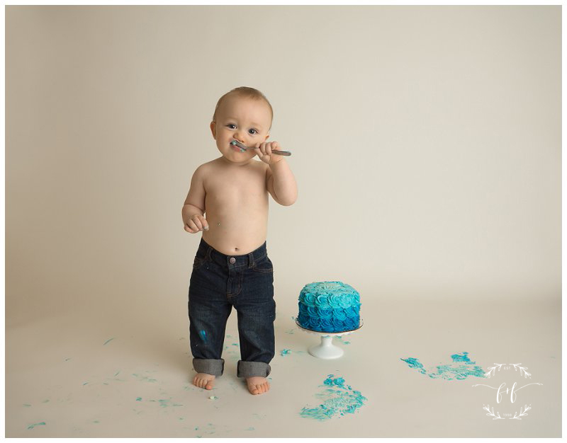 minimalist-first-birthday-photographer-in-seattle